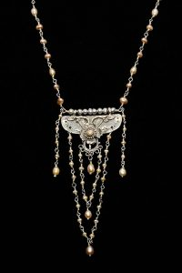 Sterling Silver and Pearls necklace